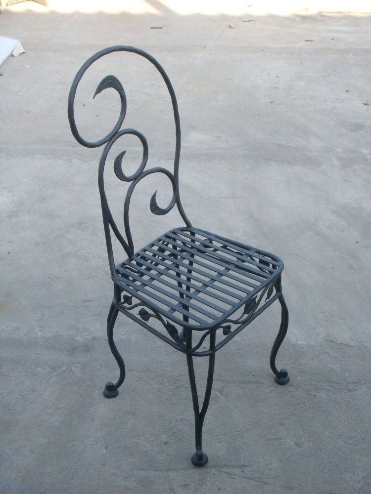 Wrought iron furniture for Wrought iron furniture