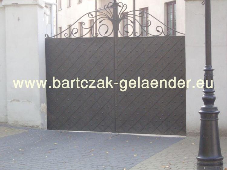 bartczak gelaender einfahrtstor 2 fl gelig asymmetrisch. Black Bedroom Furniture Sets. Home Design Ideas