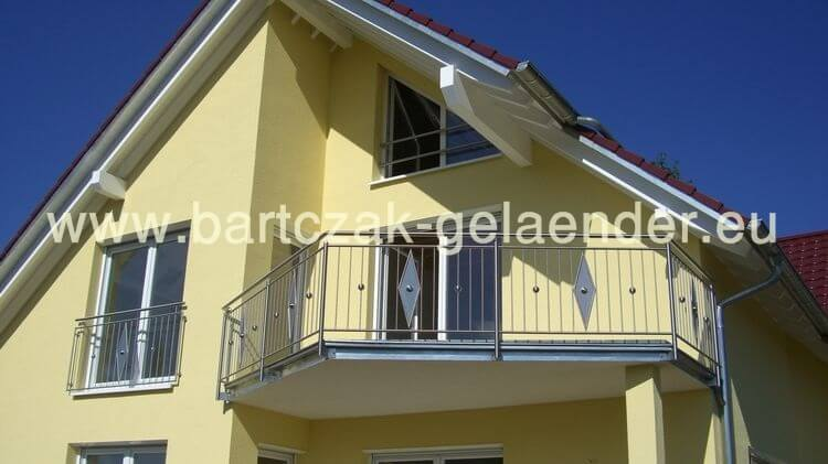 franz sischer balkon verzinkt anthrazit modern pulverbeschichtet mit austritt. Black Bedroom Furniture Sets. Home Design Ideas