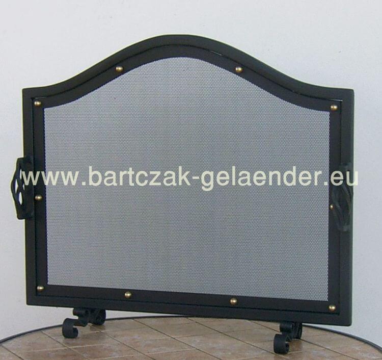 kaminschutzgitter kaminofen schutzgitter kaminholzkorb bartczak gelaender. Black Bedroom Furniture Sets. Home Design Ideas