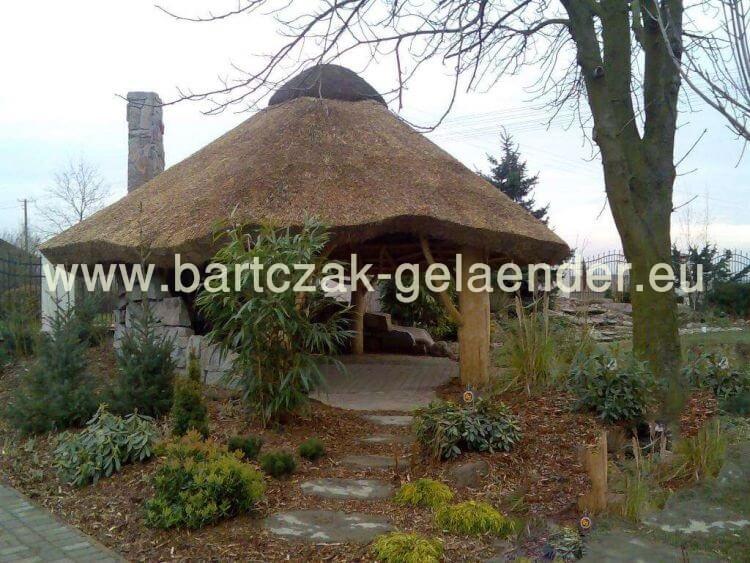 gartenpavillon mit reetdach gartenpavillon holz reetdach strohdach selber bauen. Black Bedroom Furniture Sets. Home Design Ideas